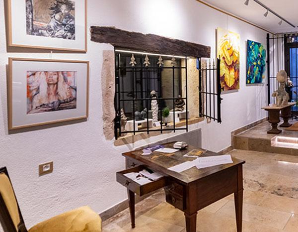interieur galerie Passion d'Art à Cluny 2