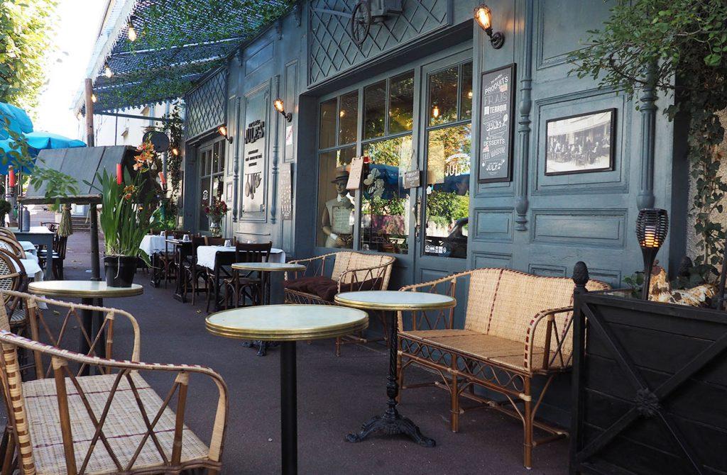 Terrasse Chez l'Oncle Jules